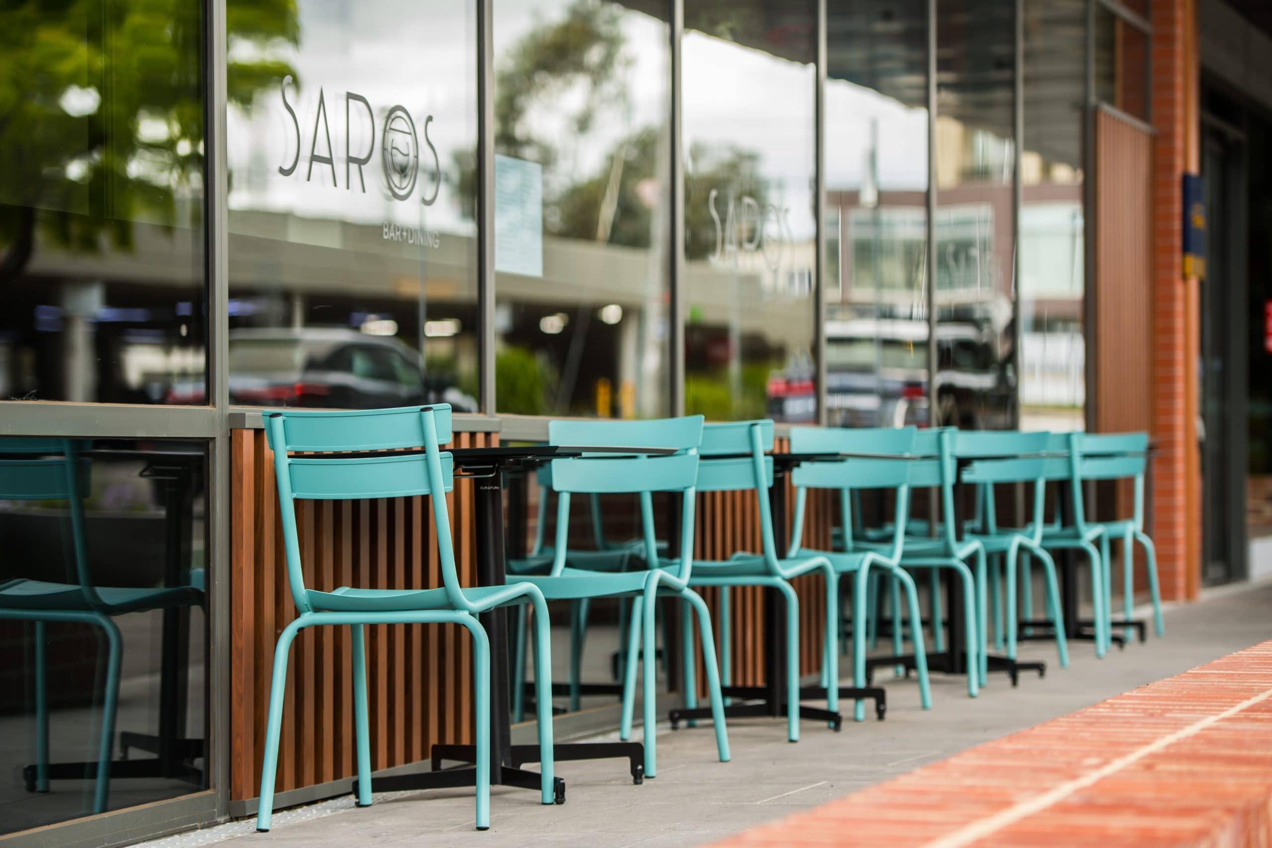 Outdoor dining alfresco at Saros Bar & Dining